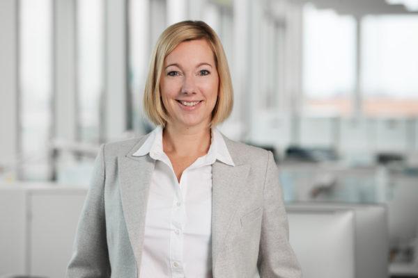 """""""Transformation ist alles"""" – DWOMAN Dr. Stephanie Caspar, Geschäftsführerin von WeltN24, im Porträt"""