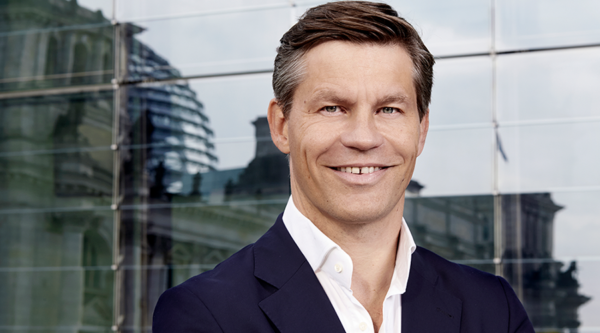 """Mehr als nur Luft und Liebe: """"3 Fragen an …"""" Frank Briegmann, President & CEO Central Europe Universal Music und Deutsche Grammophon"""