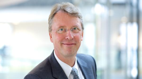 Visualisierung von Emissionsdaten in Echtzeit: HPI Direktor Prof. Meinel im Gespräch mit dem MediaTech Hub Potsdam