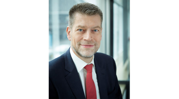 """Die Sparkassenfiliale in der Hosentasche: """"3 Fragen an…"""" Dr. Johannes Evers, Vorstandsvorsitzender der Berliner Sparkasse"""