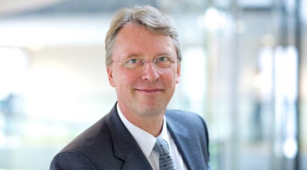 """Online flexibel lernen: """"4 Fragen an…"""" Prof Dr. Christoph Meinel, Direktor und Geschäftsführer HPI"""