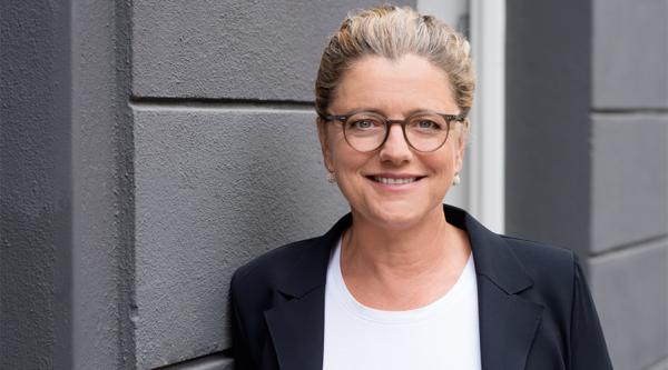 "Netzwerk-Power: ""4 Fragen an…"" Andrea Peters, Vorstandsvorsitzende media:net berlinbrandenburg"