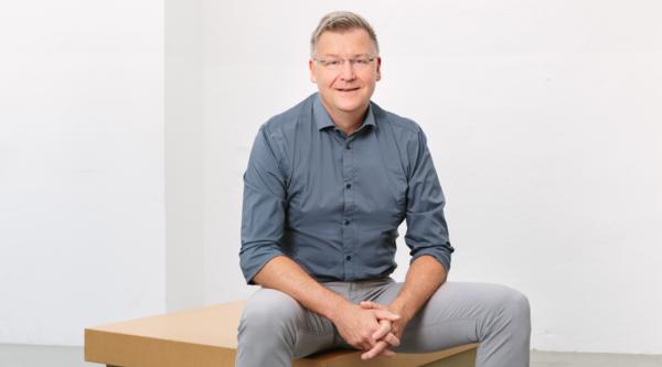 "Shift in die Online-Lehre: ""4 Fragen an…"" Prof. Dr. Jens Große, Campusdirektor der Hochschule Macromedia Berlin"