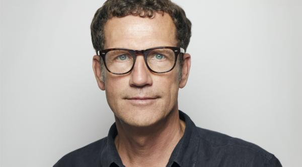 """Es geht auch anders: """"4 Fragen an…"""" Prof. Joachim Sauter, Vorstand und Head of Design der ART+COM AG"""